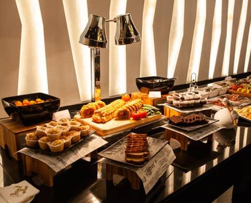 Gastronomy - Black Giraffe - Hugo's Hotels